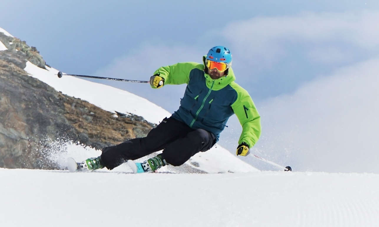 Quick tips to become a better skier dropin snow
